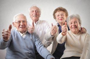 idosos no condomínio